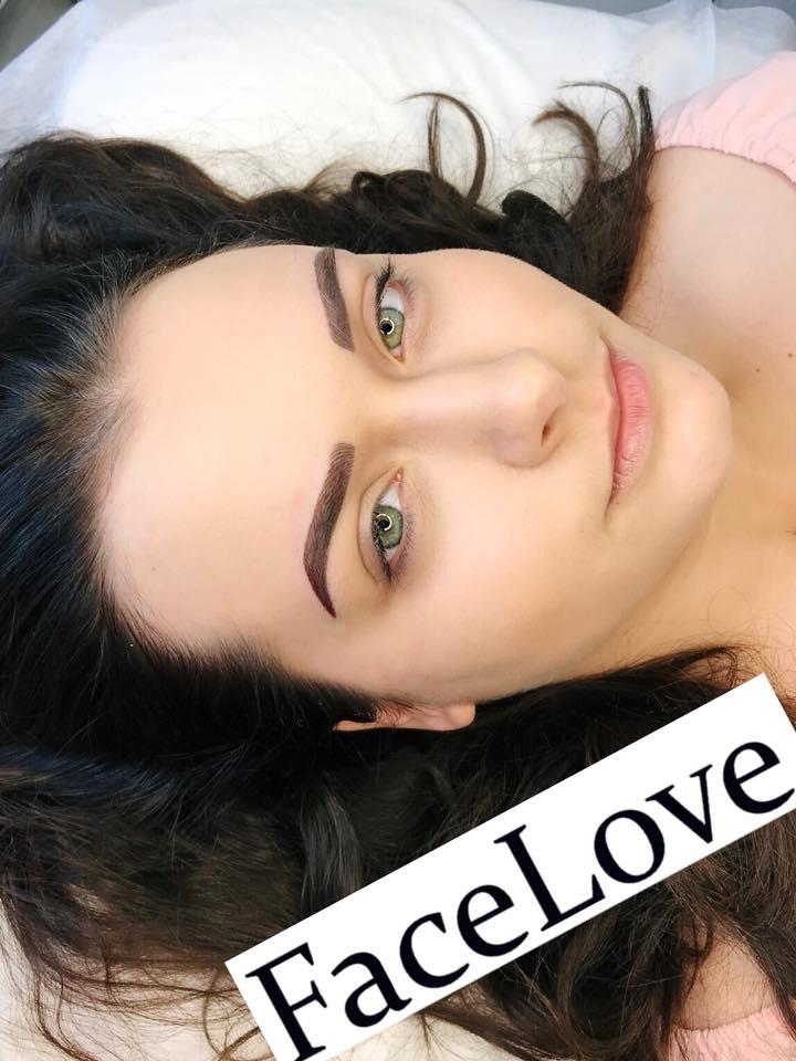 Naturalny makijaż permanentny - Royal Liner