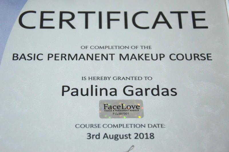 Unikalny numer seryjny każdego szkolenia makijażu permanentnego