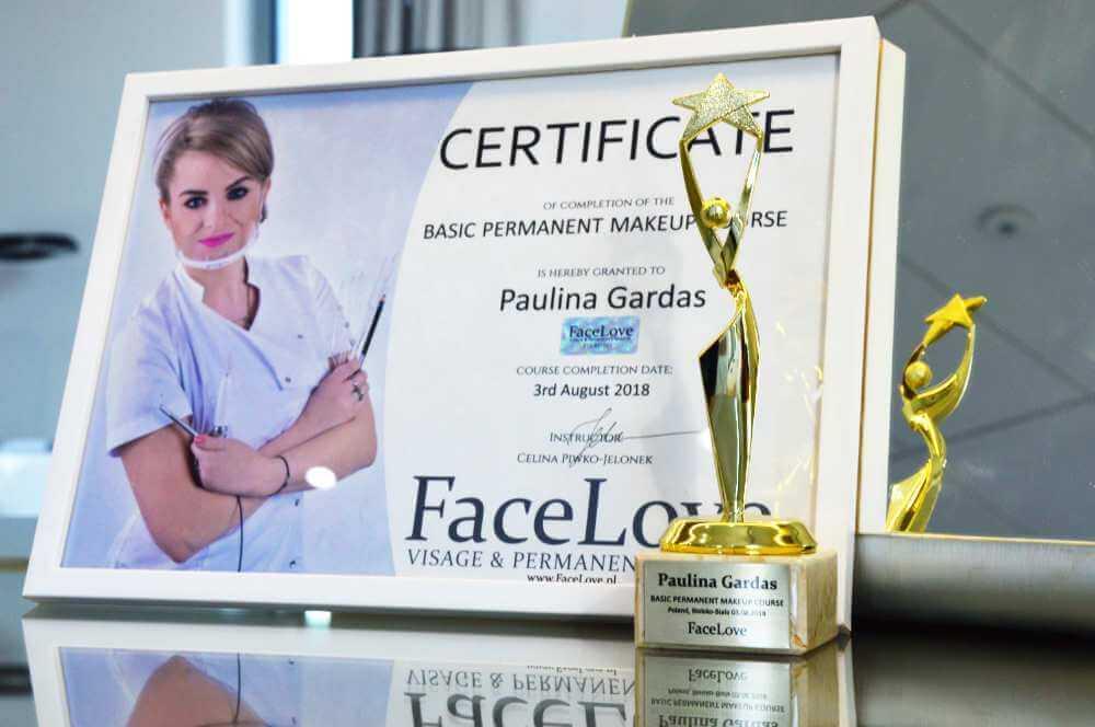 Certyfikat szkolenia makijażu permanentnego